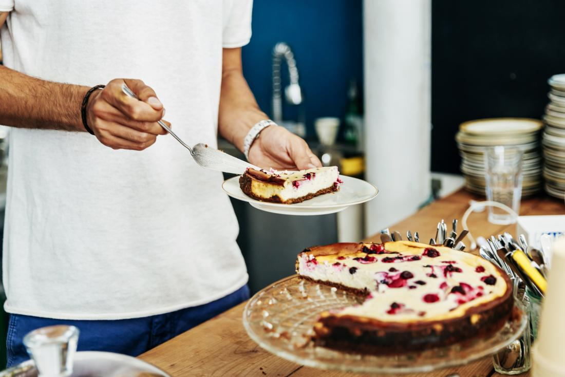 Pick from these delicious Father's Day special Sugar-Free Cakes online